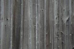 Oud doorstaan grijs barnboard Stock Fotografie