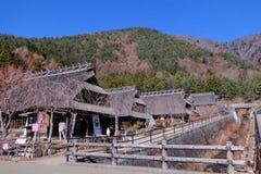 Oud dorp dichtbij Kawaguchigo-Meer stock afbeelding