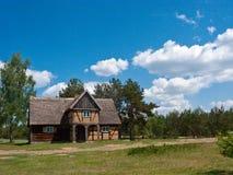 Oud dorpshuis in Polen Stock Fotografie