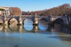 Oud en beroemd San Angelo Bridge rome Italië Royalty-vrije Stock Foto's
