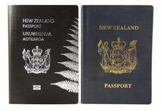 Oud en het Nieuwe Paspoort van Nieuw Zeeland - Royalty-vrije Stock Fotografie