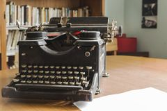 Oud en vuil van de machine van de stofschrijfmachine Stock Foto