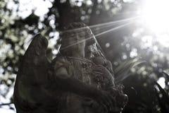 Oud engelenstandbeeld Stock Afbeelding