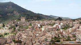 Oud Europees authentiek dorp, valldemossa, majorca, de luchtmening van Mallorca stock videobeelden