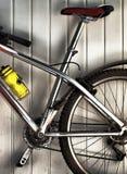 Oud fietsframe royalty-vrije stock foto's