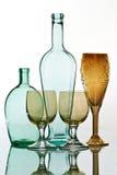 Oud fles en het drinken glas Royalty-vrije Stock Foto