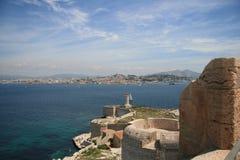 Oud fort op het eiland in het zuiden van Frankrijk. Stock Foto