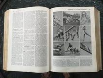 Oud Frans medisch boek met illustraties royalty-vrije stock afbeelding