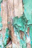 Oud gebarsten gepeld turkoois verfdetail van houten deur, tabl Royalty-vrije Stock Fotografie