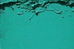 Oud gebarsten verfpatroon op concrete achtergrond De verf van de schil Stock Foto's