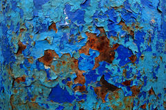 Oud gebarsten verfpatroon op roestige achtergrond De verf van de schil Stock Fotografie