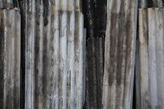 Oud gegalvaniseerd ijzerdak stock illustratie