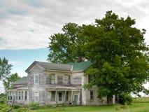 Oud Gray House in de Hogere Staat van New York. Stock Foto