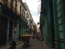Oud Havana - Cuba - Straat & Bicitaxi Royalty-vrije Stock Afbeeldingen