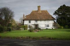 Oud helft-betimmerd plattelandshuisje Royalty-vrije Stock Foto