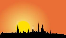 Oud het panoramasilhouet van Riga stock illustratie