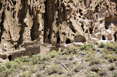 Oud Hol Cliff Dwelling in het Nationale Monument New Mexico van Bandalier royalty-vrije stock foto's