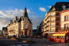 Oud hotel in Trouville, Normandië, Frankrijk royalty-vrije stock afbeeldingen