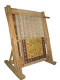 Oud houten geïsoleerd weefgetouw stock afbeelding