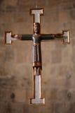 Oud houten geschilderd kruis. Royalty-vrije Stock Fotografie