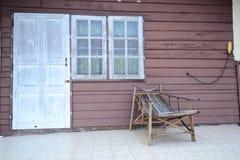 Oud houten geweven muur en venster Royalty-vrije Stock Fotografie