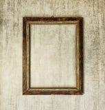 Oud houten kader op grijze grungeachtergrond Royalty-vrije Stock Fotografie