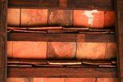 Oud houten muur en plafond. Stock Foto