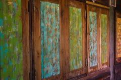 Oud houten muur Uitstekend behang als achtergrond Stock Foto