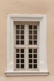 Oud houten raamkozijn stock foto