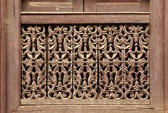 Oud houten traditioneel Nepalees vensterdetail nepal Royalty-vrije Stock Fotografie