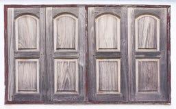 Oud houten venster met verf op concrete muurachtergrond stock afbeeldingen