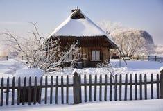 Oud huis in de winter Royalty-vrije Stock Foto