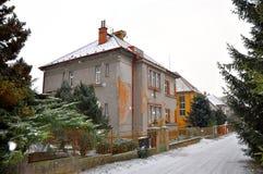 Wit dak royalty vrije stock foto afbeelding 34406535 - Oud huis ...