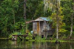 Oud huis in een moeras in New Orleans stock fotografie