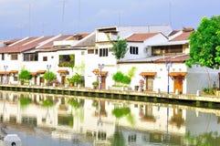 Oud huis en de bouw bij de Stad van de Rivier Melaka Stock Foto's