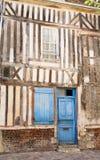 Oud huis in het centrum van Honfleur royalty-vrije stock afbeeldingen
