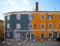 Oud huis in kleine stad Royalty-vrije Stock Fotografie