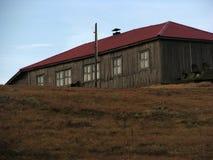 Oud huis op de heuvel Stock Fotografie