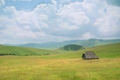 Oud huis in westelijk Servië Stock Afbeeldingen