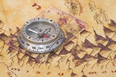 Oud kaart en kompas Royalty-vrije Stock Foto