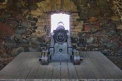 Oud kanon in de vesting van Suomenlinna royalty-vrije stock foto's