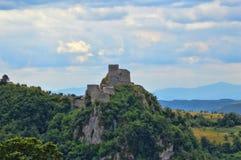 Oud kasteel op zijn plaats Srebrenik stock afbeeldingen
