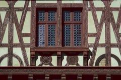 Oud Kasteelvenster in Roemenië stock afbeeldingen
