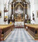 Oud kerkbinnenland royalty-vrije stock afbeeldingen
