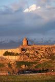 Oud klooster voor berg Stock Foto