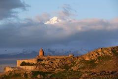 Oud klooster voor berg Royalty-vrije Stock Foto's
