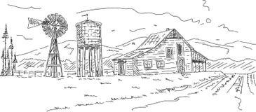 Oud landbouwbedrijf onder bergen Stock Fotografie