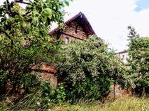 Oud landbouwbedrijfhuis in Brandenburg Stock Afbeeldingen