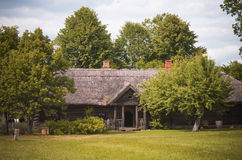 Oud landbouwgrondhuis, Litouwen royalty-vrije stock foto