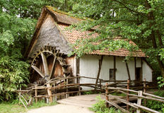Oud-manier watermill Royalty-vrije Stock Afbeeldingen